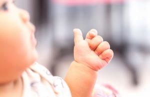 Le top 5 des livres sur le langage des signes pour bébé